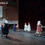 Območna revija otroških folklornih skupin Maribor 2012, Preko polja gre pomlad